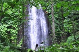 奥入瀬渓流の散策コース到着場所の雲井の滝